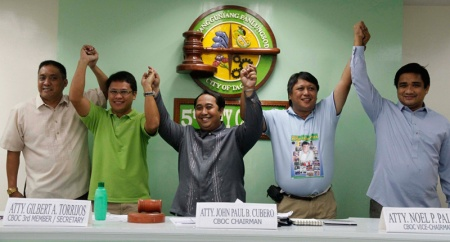 "Tagum City Mayor Allan Rellon (second from left) and Vice Mayor Geterito ""Boyet"" Gementiza (second from right)"